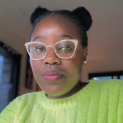 Headshot of mapenzi Simekha